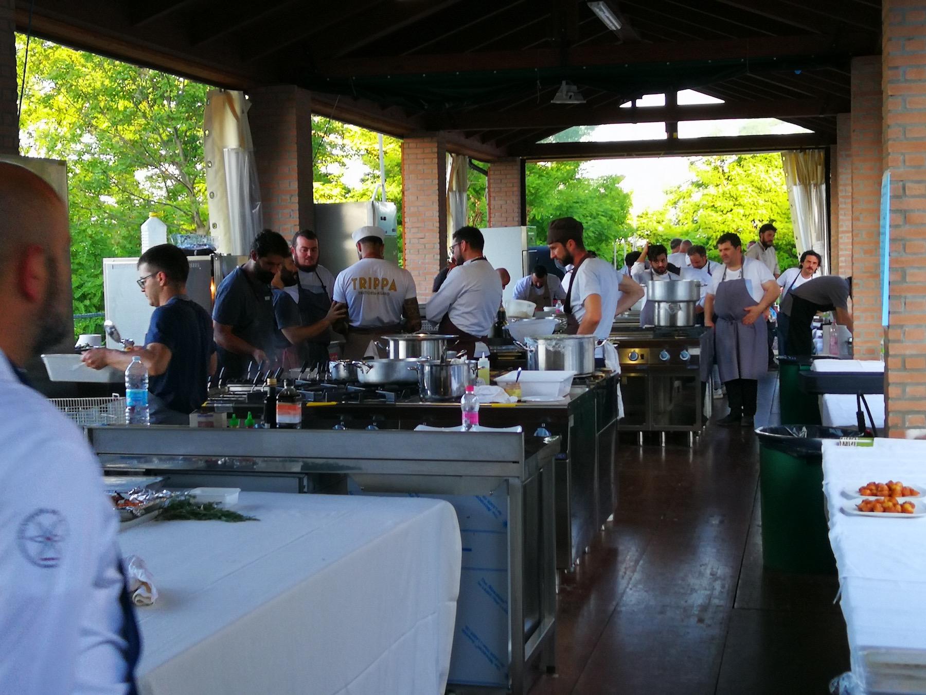 Cucine a cielo aperto per Spessore Campo Base